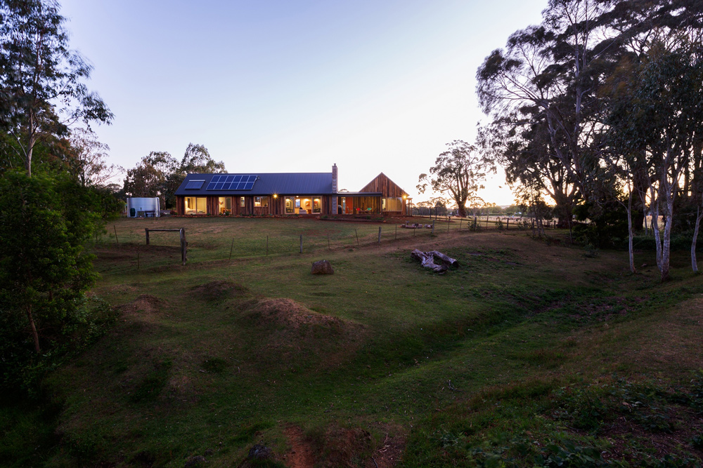 water+self+sufficient+house,rainwater+house,sustainable+home+trentham.jpg