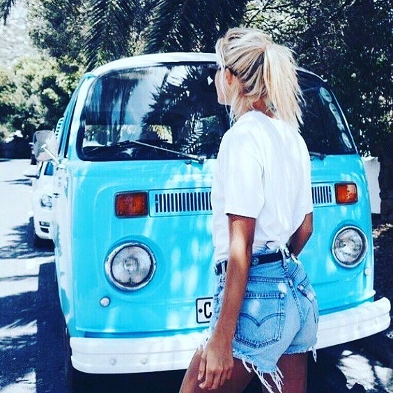 Take a spontaneous road trip, don't worry about the destination, just start driving and see where the world takes you. • • #travel #wanderlust #blue #fashion