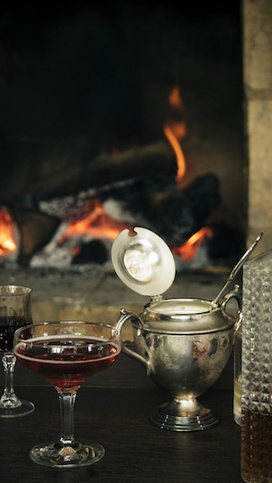 Noir moods: Drinks in front of a fireplace