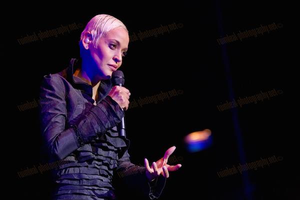 Mariza performing live at Coliseu dos Recreios in Lisboa. Image courtesy of  Rui M. Leal .