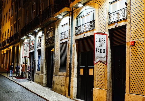 Clube de Fado, Alfama, Lisbon. Image courtesy of  Baptiste Nasselevitch .