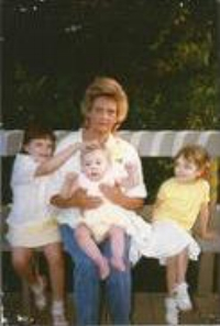 Thomas family females: Hallie, Carrie and Jennifer