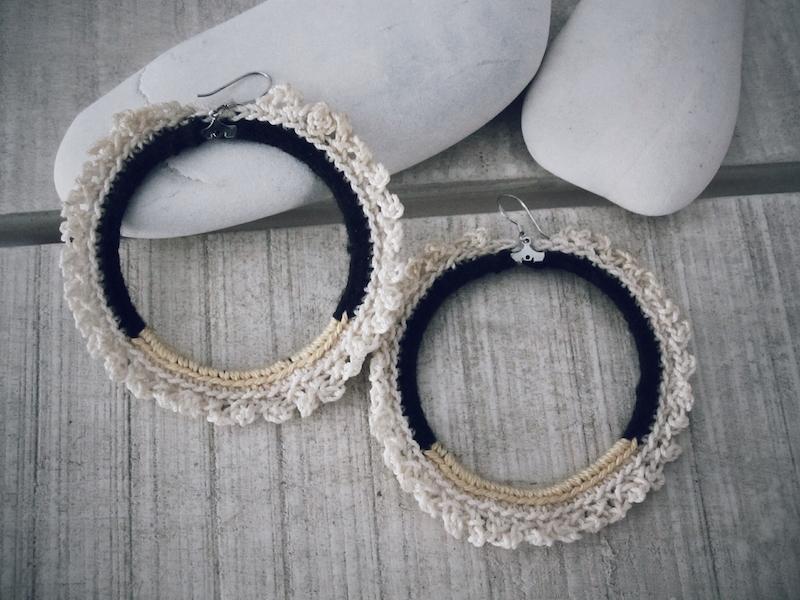Beige circle earrings j1.jpg