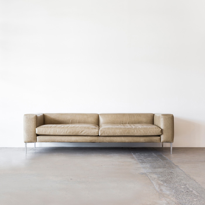 Walter_Sofa_Staple&Co_Verona_Square_Establishing_Project82_Web.jpg