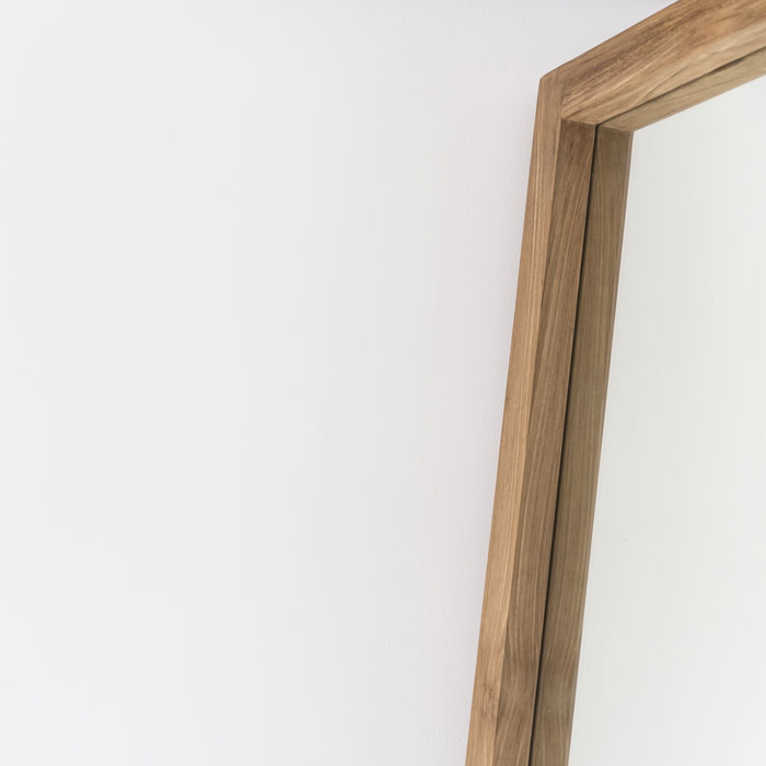 Oak_Leaning_Mirror_Detail_Web_Project82.jpg