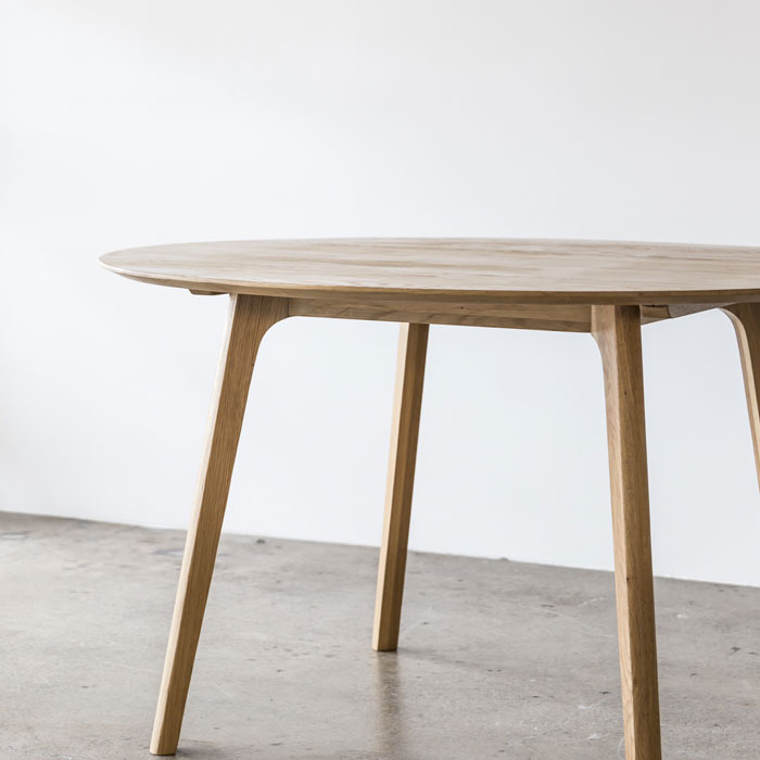 Skye_Table_Round_Oak_Corner2_Web_Project82.jpg