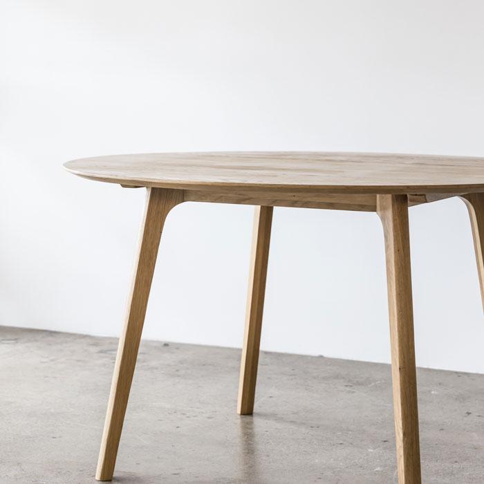 Skye_Table_Round_Oak_Corner2_Web_Project82.jpg