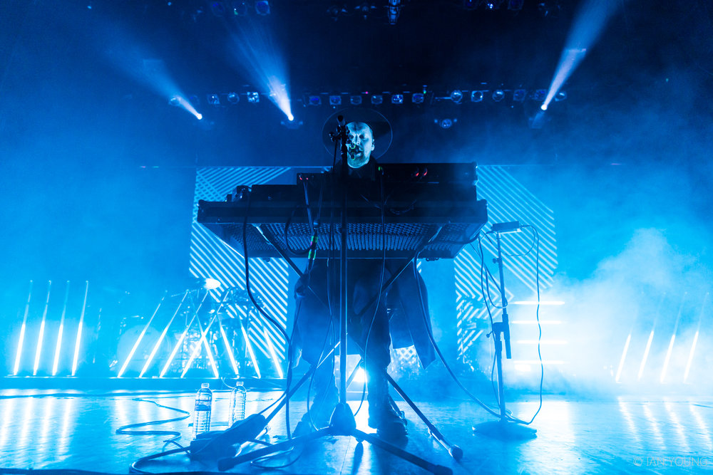 SOHN at The Regency Ballroom in San Francisco by Ian Young 01.jpg