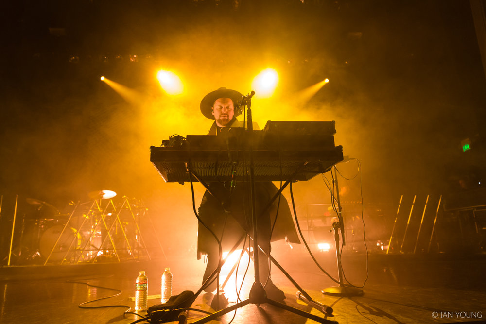 SOHN at The Regency Ballroom in San Francisco by Ian Young 06.jpg