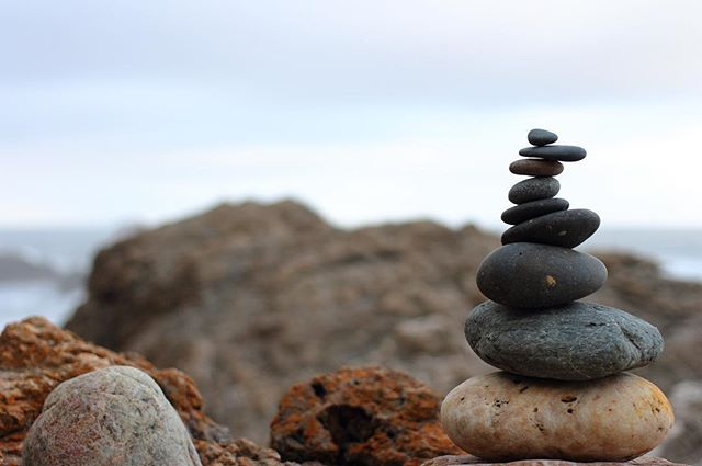 Stacking rocks at the beach .vol 1 . . #rockstacking #stones #rocks #beach #portmacquarie #photography #photo #aperture  #focus #cloudy #40mm #canon700d