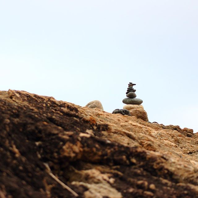 Stacking rocks at the beach .vol 2 - - -  #rockstacking #rocks #stones #portmacquarie #portmac #beach #photography #photo #focus #40mm #canon #canoneos700d #flynnsbeach #balance