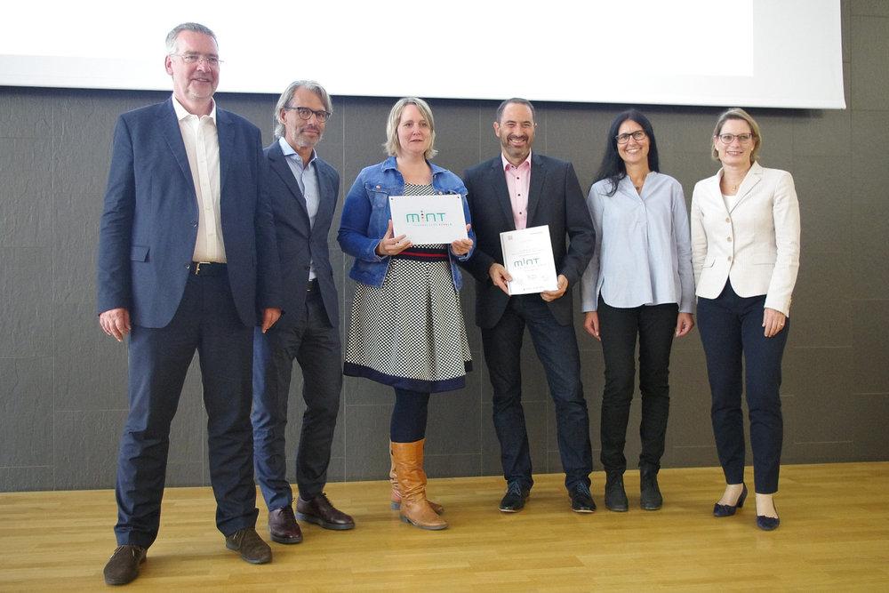HRS+ erhält Auszeichnung als MINT-freundliche Schule -