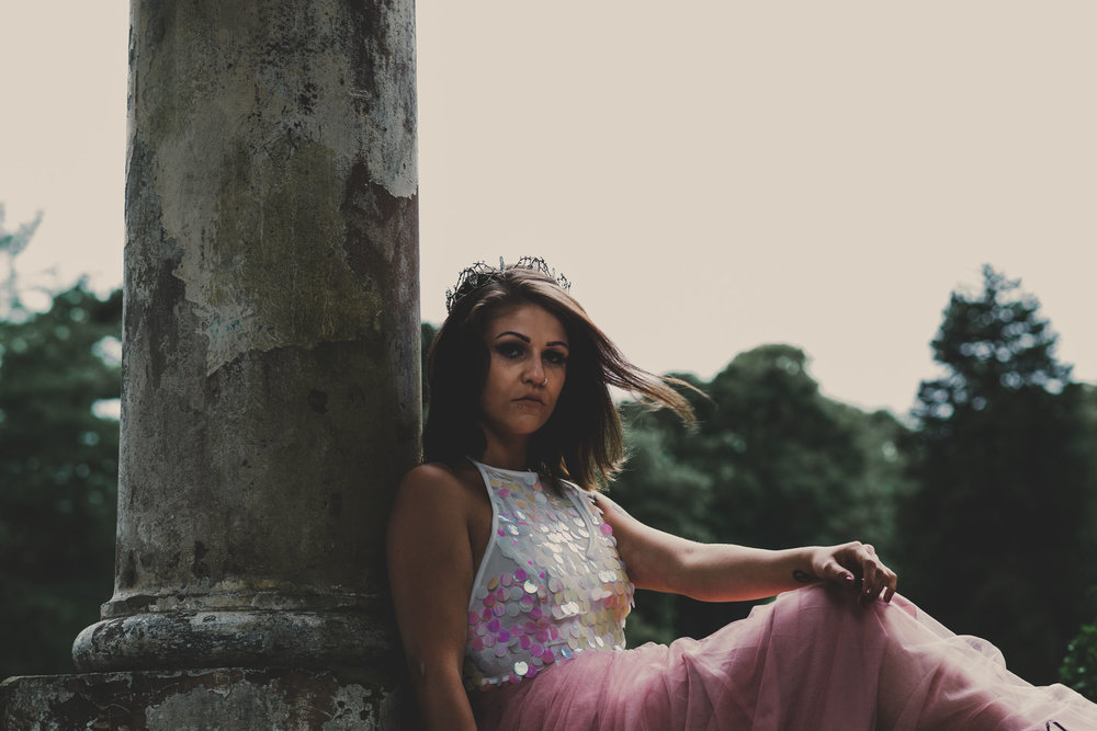 quirky boho bride for alternative wedding photography shoot in liverppol
