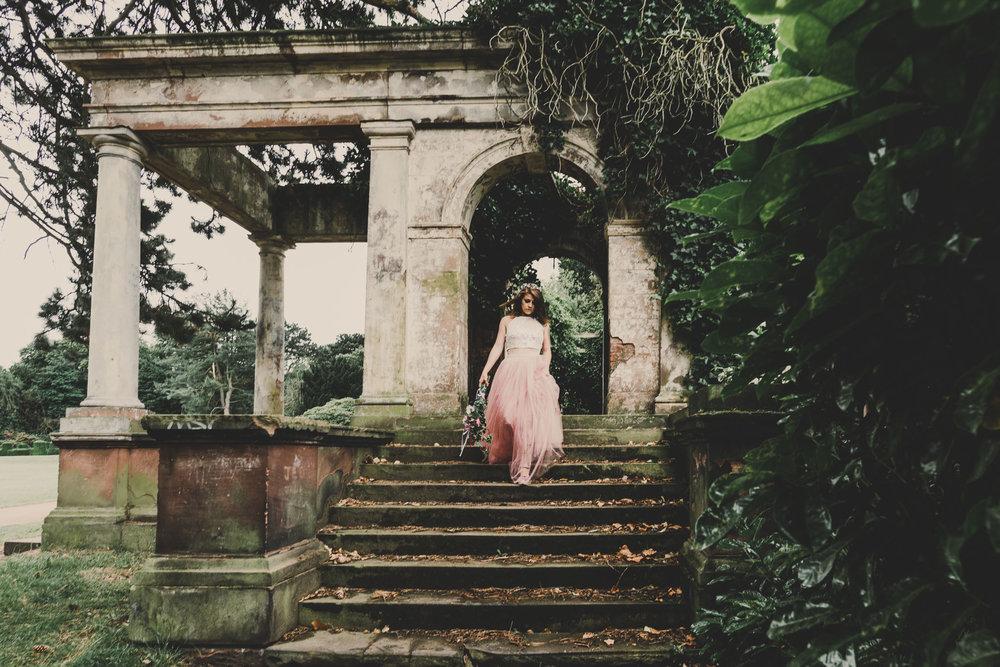 boho-free-spirited-bride-woodland-and-alternative-wedding-photography (10).jpg