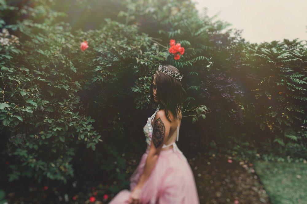 boho-free-spirited-bride-woodland-and-alternative-wedding-photography (20).jpg