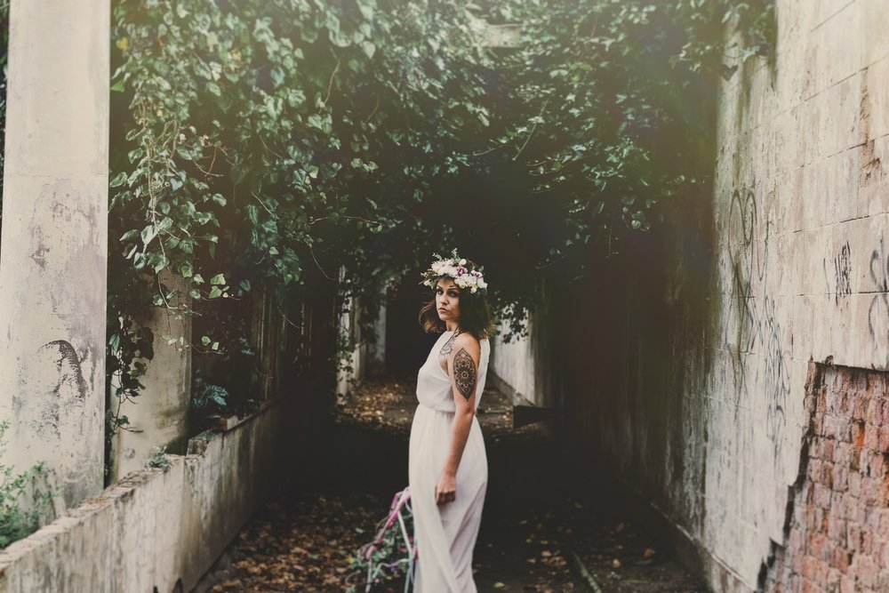 boho-free-spirited-bride-woodland-and-alternative-wedding-photography (33).jpg