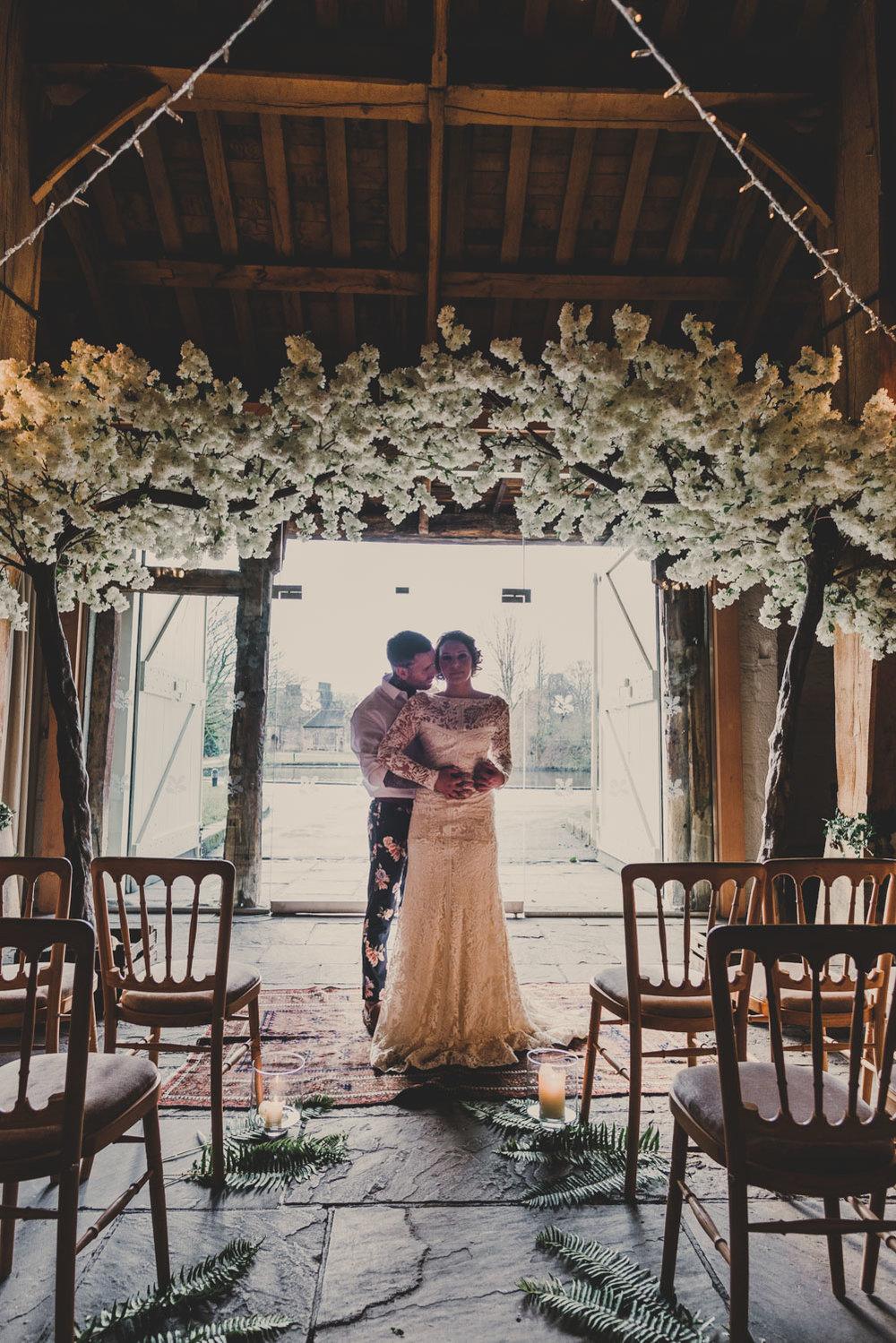 east-riddlesden-hall-wedding-jade-maguire-photography (20).jpg