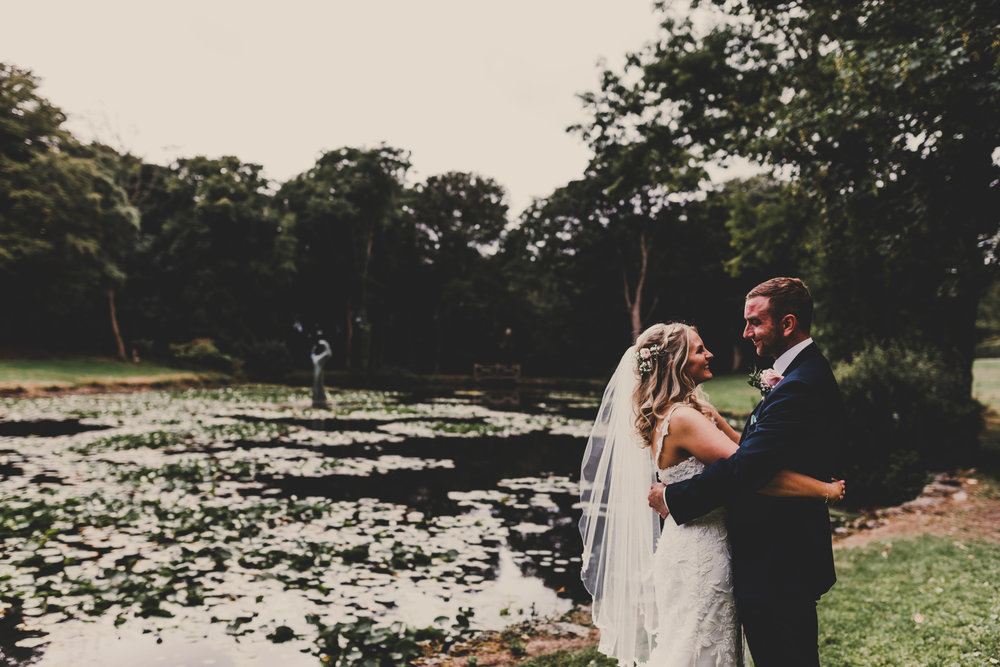 Anglesey-festival-wedding-photography-carreglwyd (7).jpg