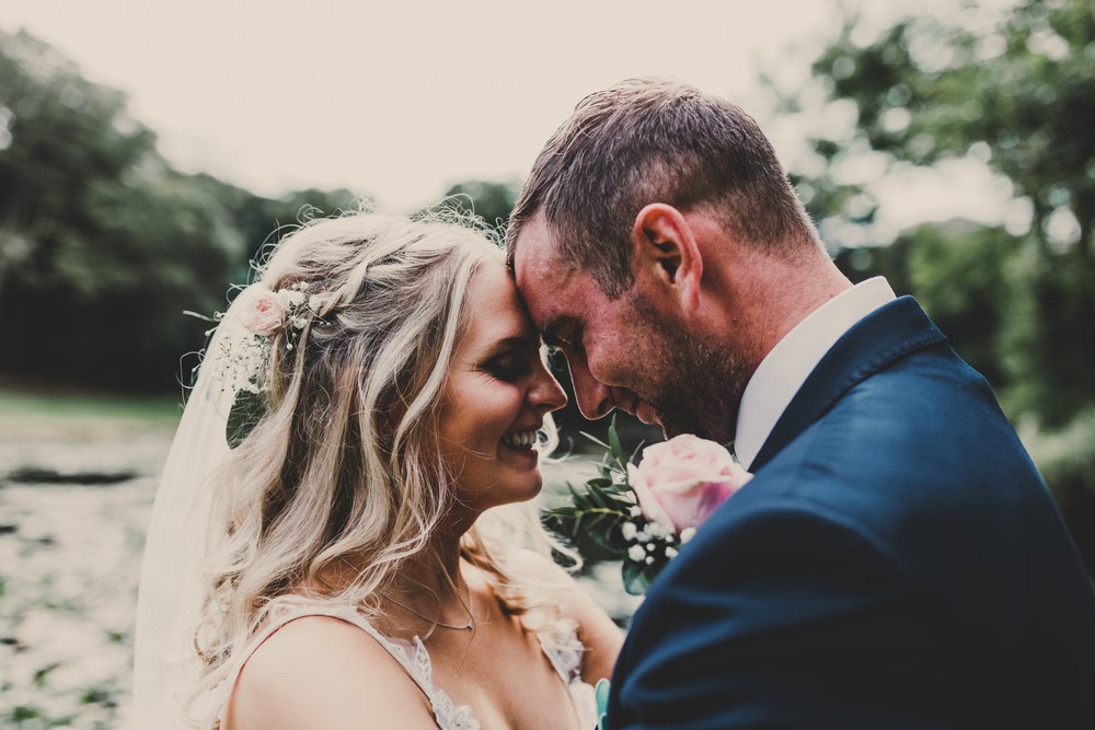 Anglesey-festival-wedding-photography-carreglwyd (8).jpg