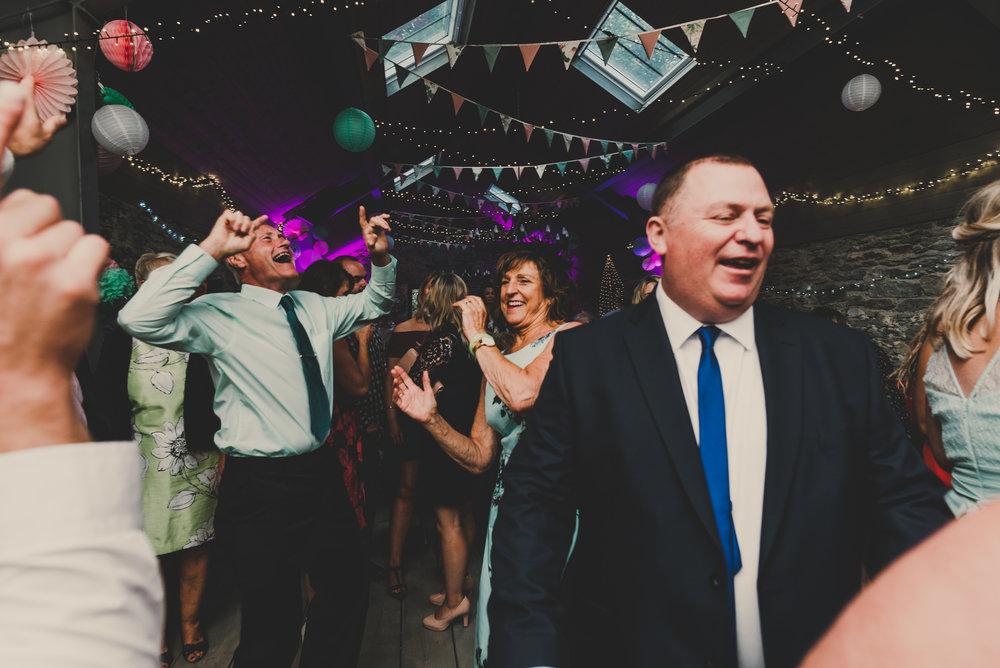 Anglesey-festival-wedding-photography-carreglwyd (20).jpg