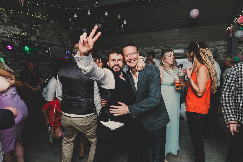 Anglesey-festival-wedding-photography-carreglwyd (22).jpg