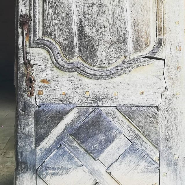 The humble door's responsibility is to protect the souls within. Respect.  #doorsofinstagram #woodendoor #antiquedoor #frenchchateau #opentolove #littlebutfierce