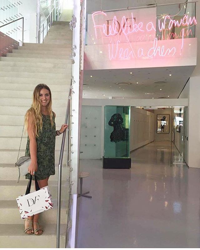 Throwback to our summer job shadow day at @dvf! We can't wait to share all the opportunities we're planning for @mysocialcanvas campus reps to design the life + career they love in 2017! P.S. Did you know Leah Tanner (in this photo) was our very first campus rep back in 2013?