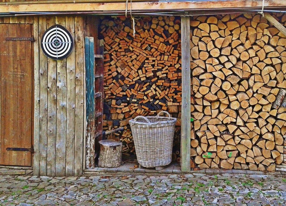 firewood-1157304_1280.jpg