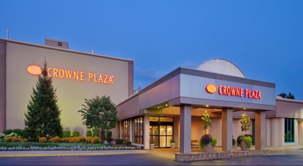 crowne plaza northbrook.jpg