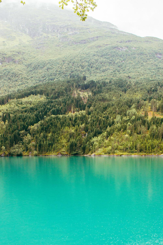 norway_lovatnet_lake-7.jpg