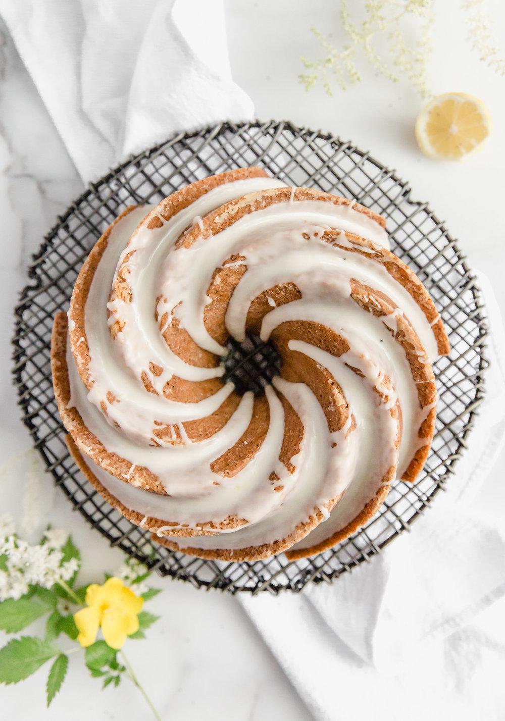 lemon-poppy-seed-bundt-cake-with-lemon-glaze-1.jpg