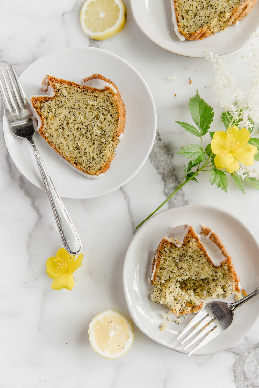 lemon-poppy-seed-bundt-cake-with-lemon-glaze-14.jpg