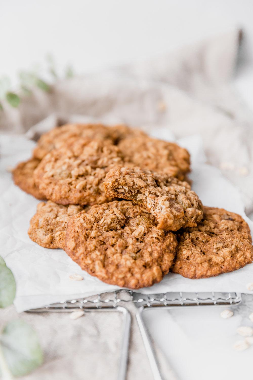 Healthy Oatmeal Cookies || To Salt $ See-2.jpg