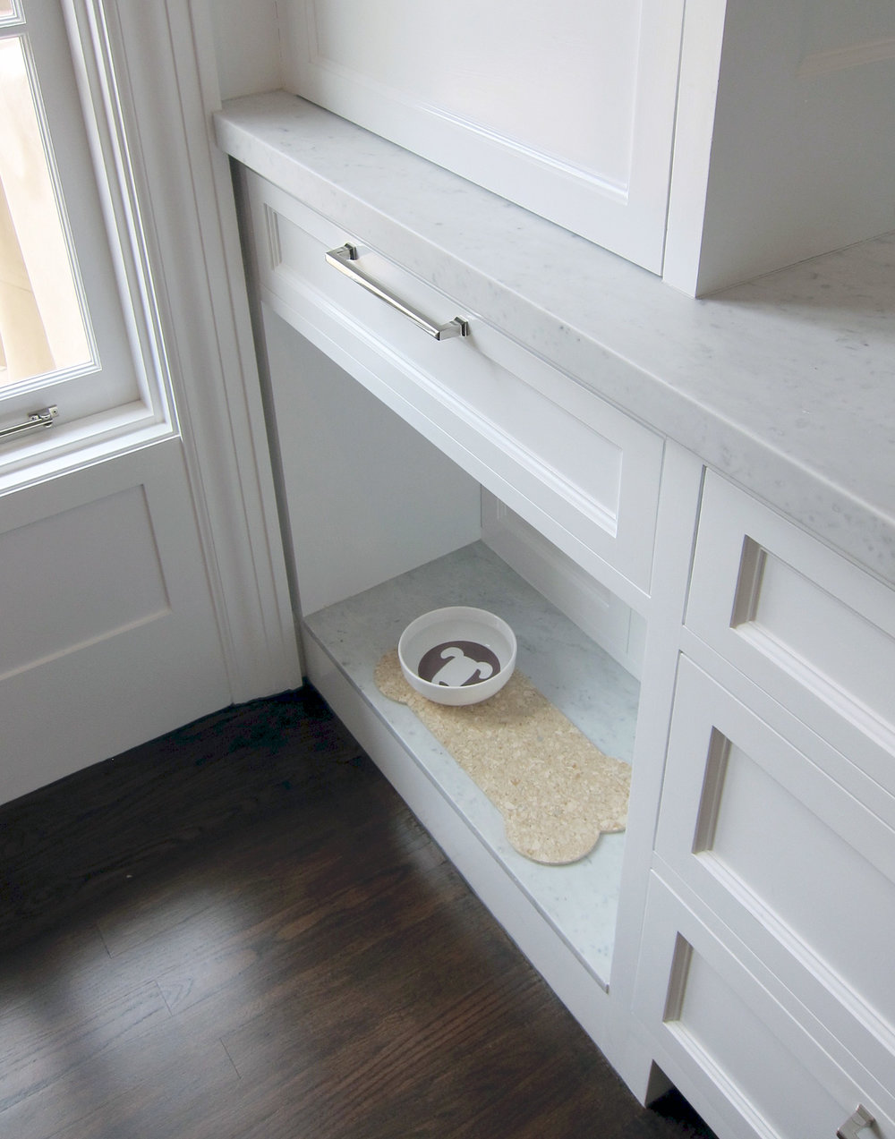 Dog Dish Shelf