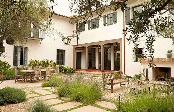 Spanish Colonial Revival Home in Brentwood