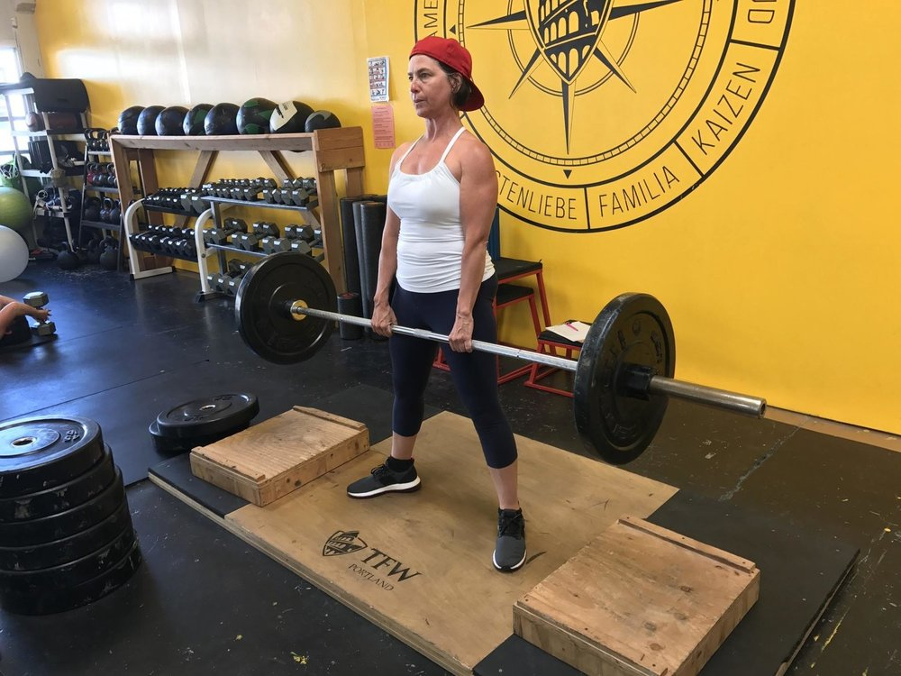 Jenn killing her deadlifts!