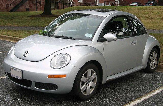 640px-2006-2007_Volkswagen_New_Beetle.jpg