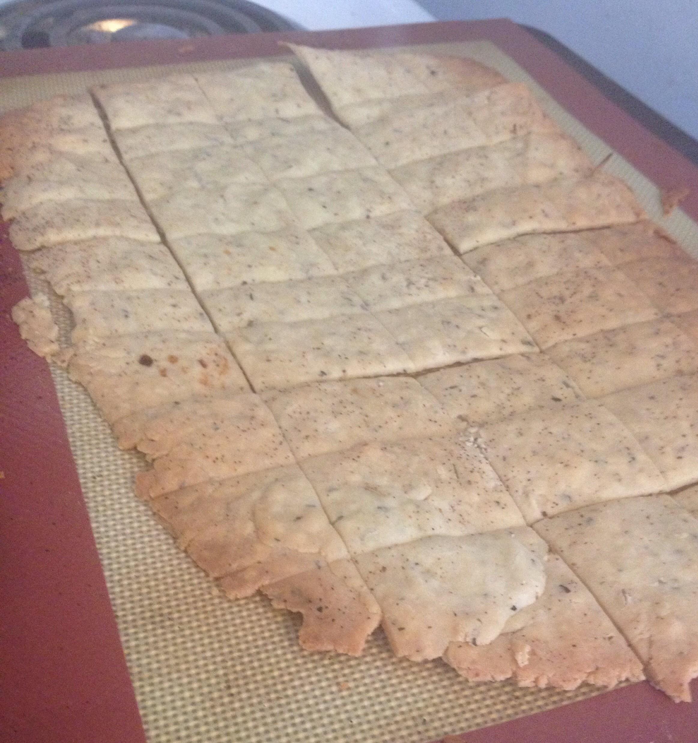Baked gluten free crackers