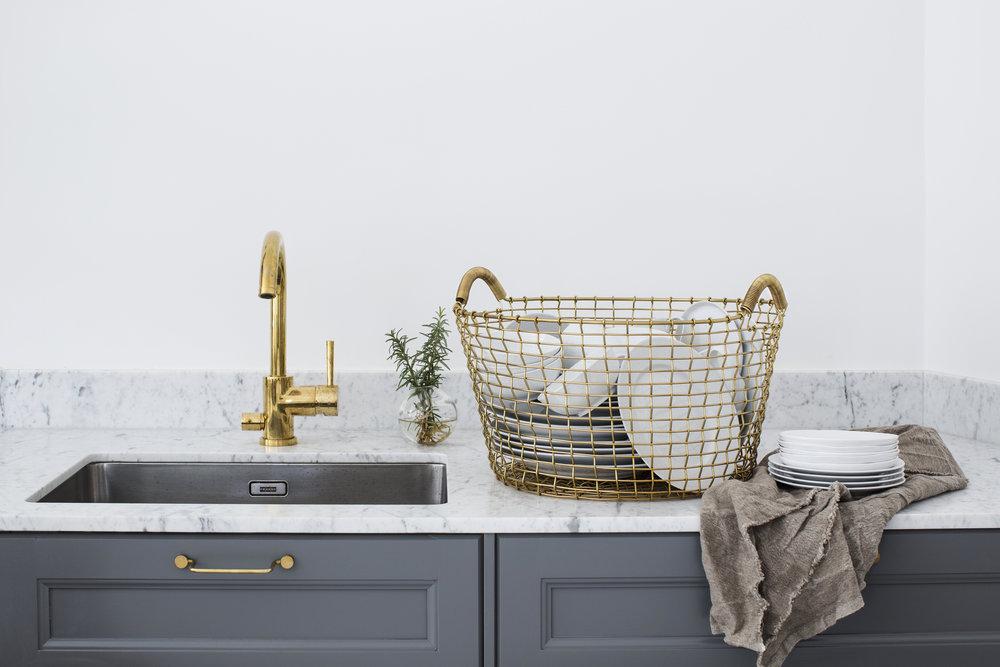 Classic 35 brass - Kitchen countertop_2.jpg