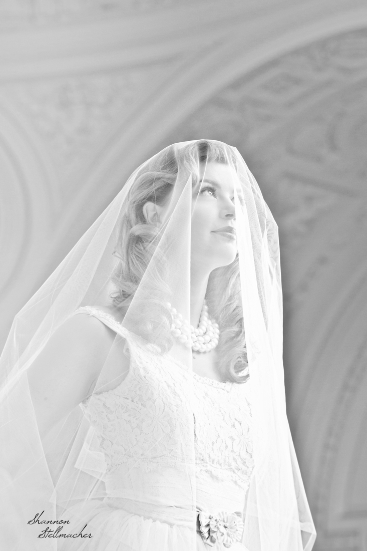 san francisco bride bw.jpg