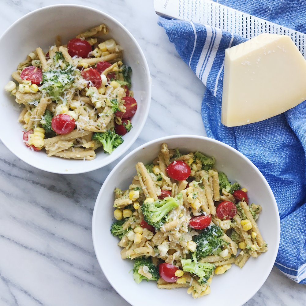 Chickpea_pasta_with_pesto_and_veggies.JPG