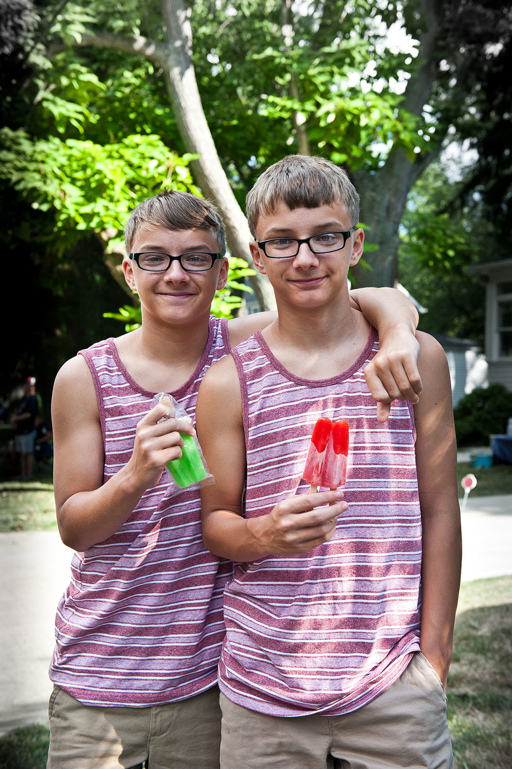 Ice Pop Twins from Ohio