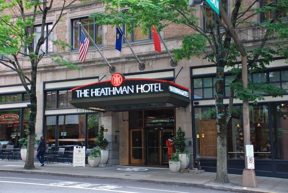 Heathman_Hotel_entrance_2014.jpg