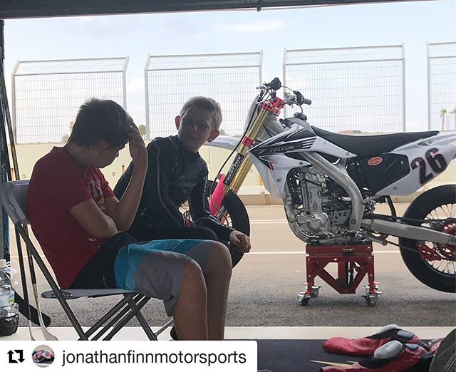#Repost @jonathanfinnmotorsports ・・・ Yesterday was #awesome at #circuitdelaribera hanging out with my brother Matthew, turning laps with #moto3 rider #alexviu81 and #wsbk rider #lorisbaz ✊️✊️🏁🏁