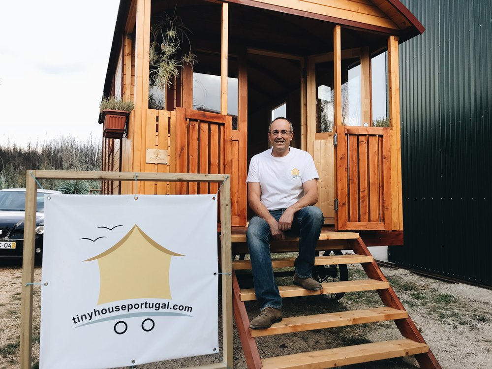 Sammy van den Berghe, owner of Tiny House Portugal, and participant in the Friends of Portugal partnership project, Re-nascer Challenge.