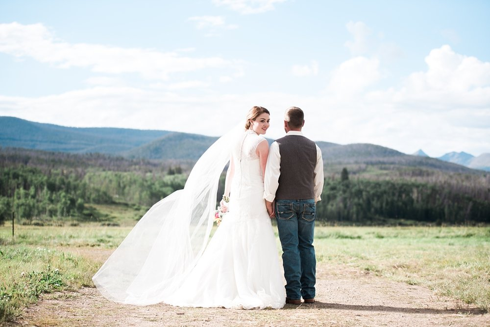 bride-groom-photography, rustic-colorado-wedding