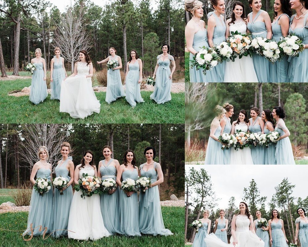 blue-bridesmaids-dresses, bridal-party-photos