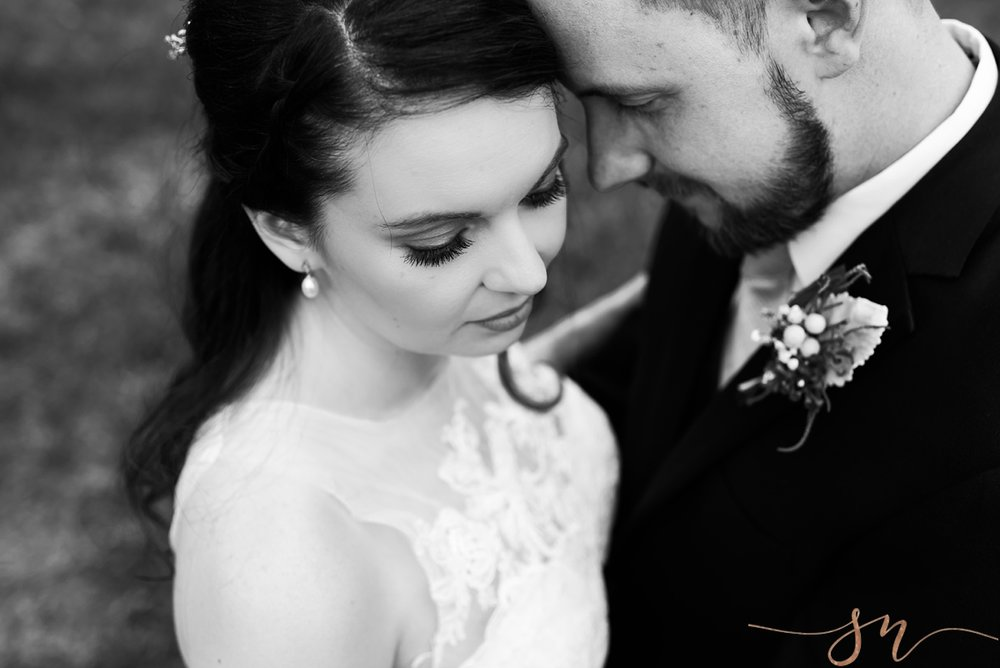 black-and-white-wedding-portrait, wedding-day-make-up, colorado-wedding-photographer