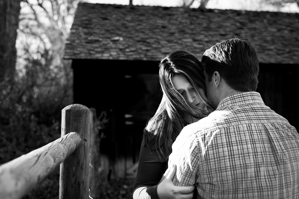 windy-engagement-session, black-and-white-portrait, denver-wedding-photographer