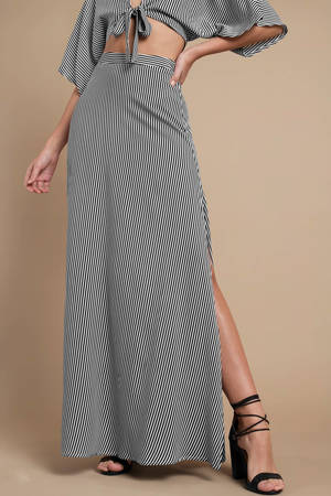 black-and-white-flare-by-it-stripe-maxi-skirt.jpg